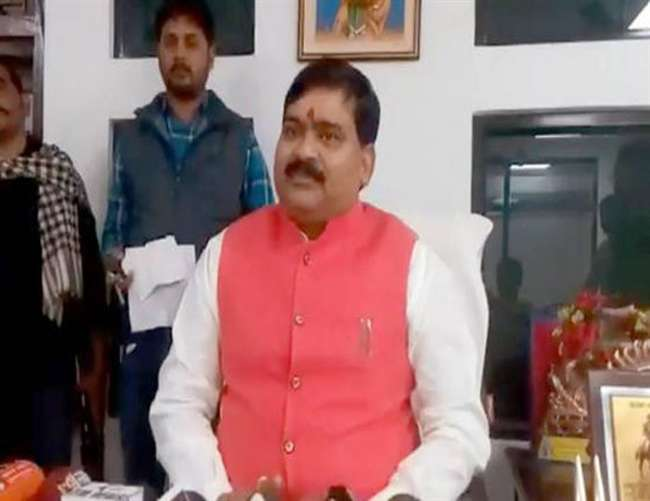 pratapgarh-demand-of-ransom-from-apna-dal-mla-in-p